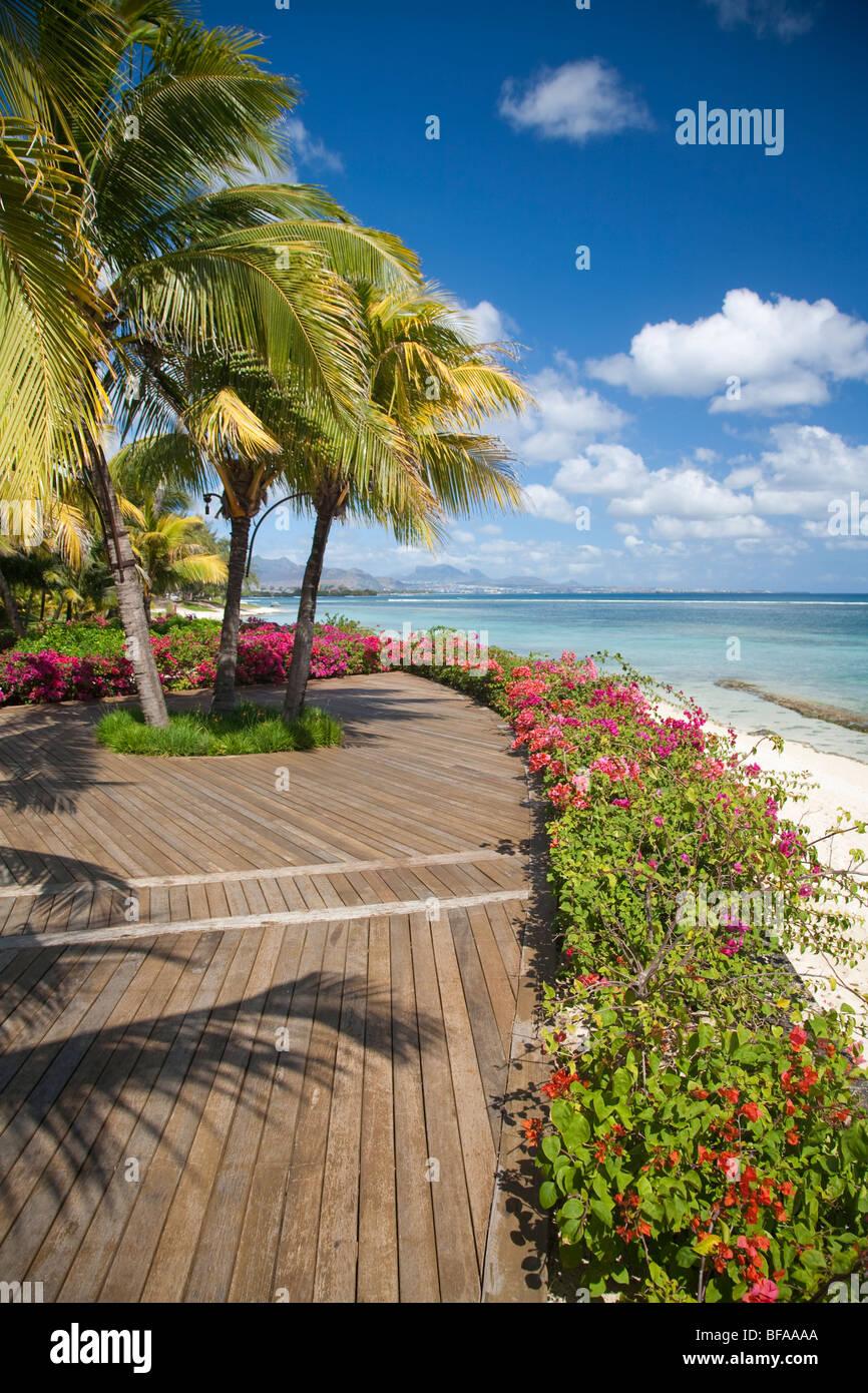La Casa restaurant gardens and beach at Le Victoria Hotel, Pointe ...