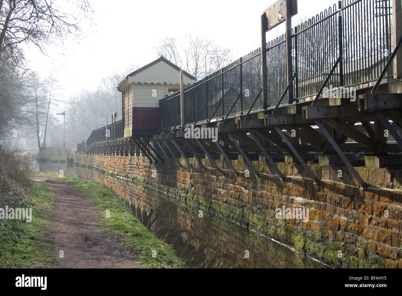 Cauldon canal running alongside Consall railway station - Stock Image