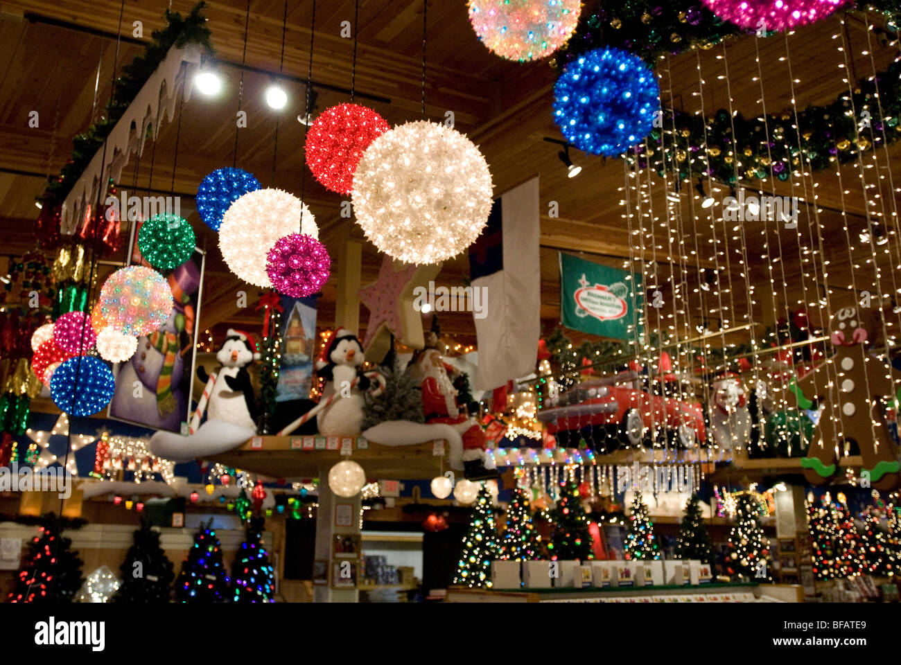 Bronners Christmas Wonderland.Bronner S Christmas Wonderland Frankenmuth Michigan