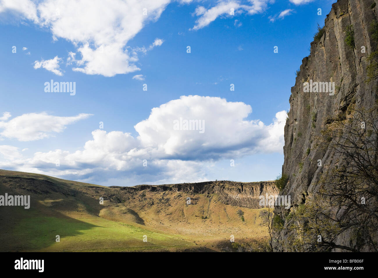 View of the Tieton River Canyon in Eastern Washington, USA. - Stock Image