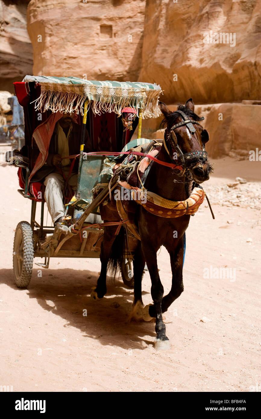 Horse drawn carriage, the siq, Petra, Jordan - Stock Image