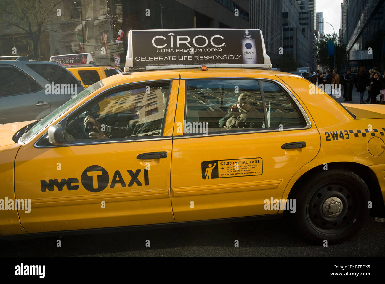 Passenger in a taxi in New York on Tuesday, November 3, 3009. (© Richard B. Levine) Stock Photo