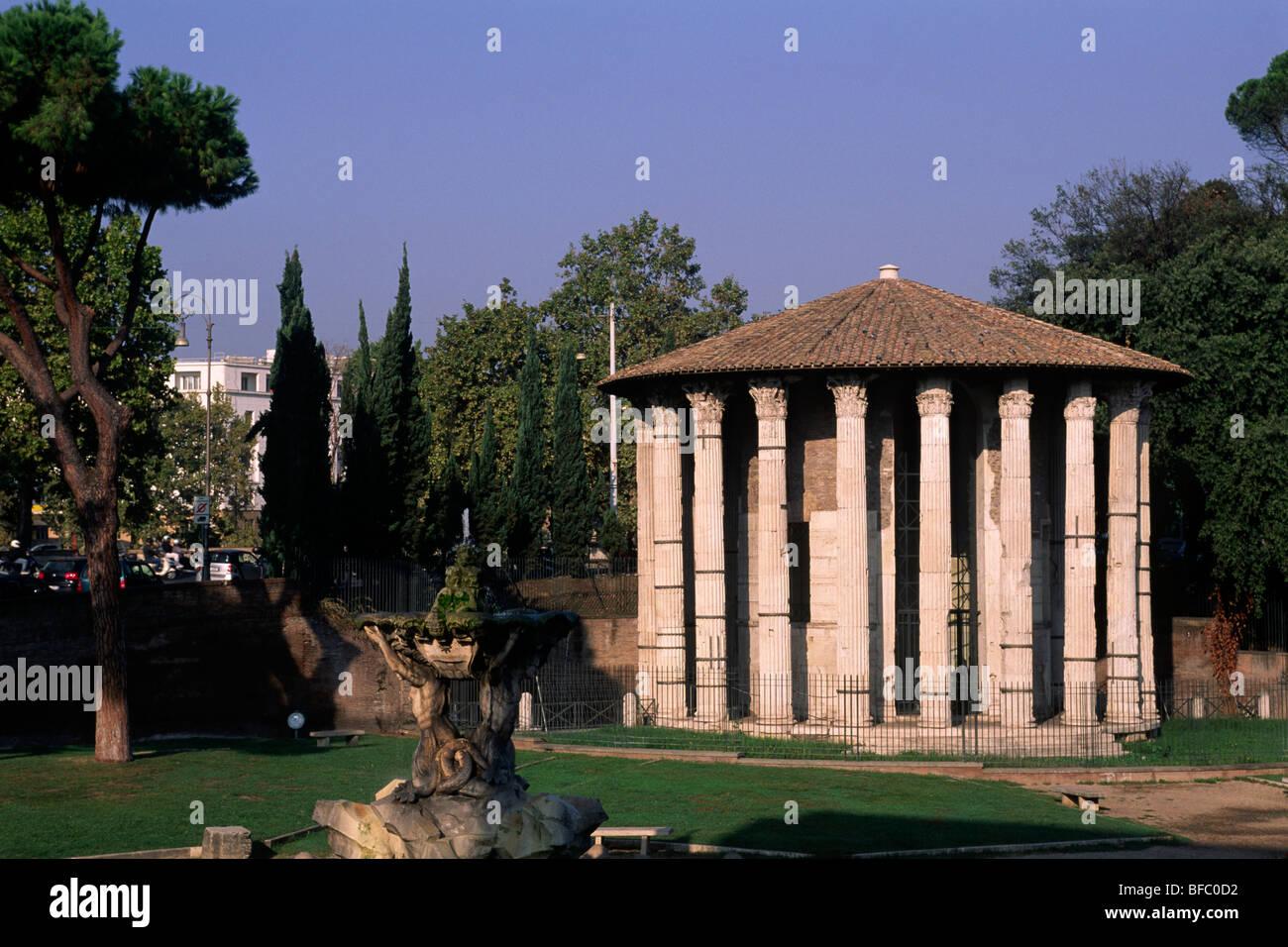 italy, rome, foro boario, forum boarium, temple of hercules victor, also called temple of vesta - Stock Image