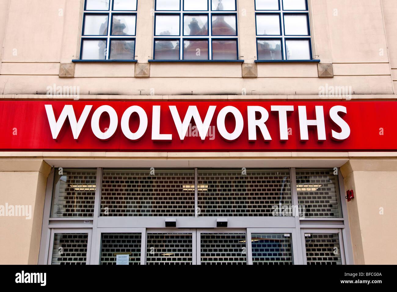 A closed Woolworths Cheltenham England Great Britain United Kingdom UK Europe - Stock Image