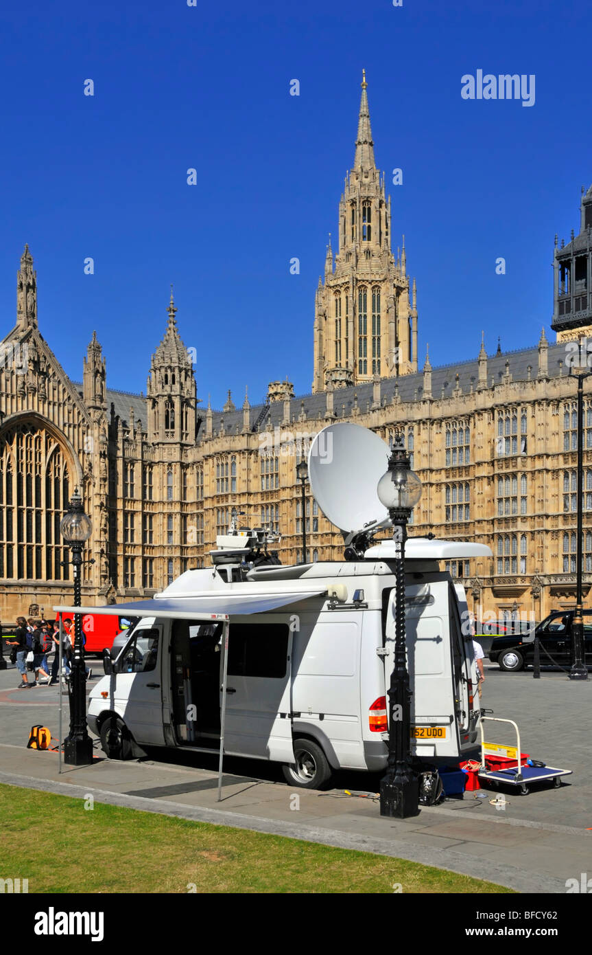 Outside broadcast satellite van at the houses of Parliament - Stock Image