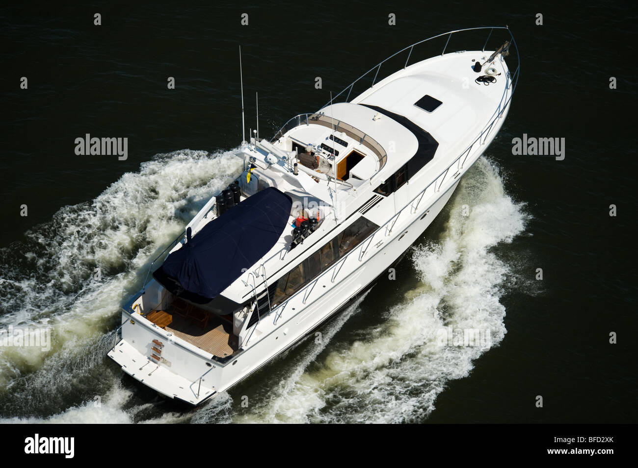 luxury yacht in Vancouver harbour - Stock Image
