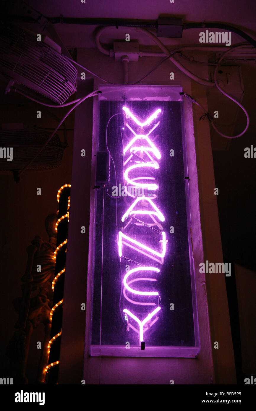 Illuminated neon hotel vacancy sign in the art deco district on Ocean Drive on Miami Beach, America - Stock Image