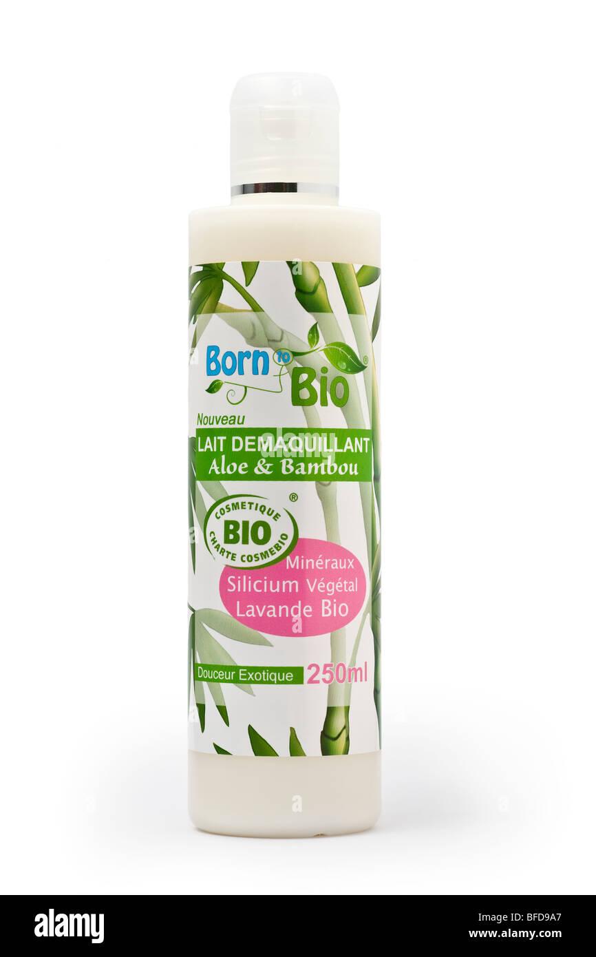 An organic make-up remover bottle with aloe and bamboo.Flacon de lait démaquillant bio à l'aloès - Stock Image