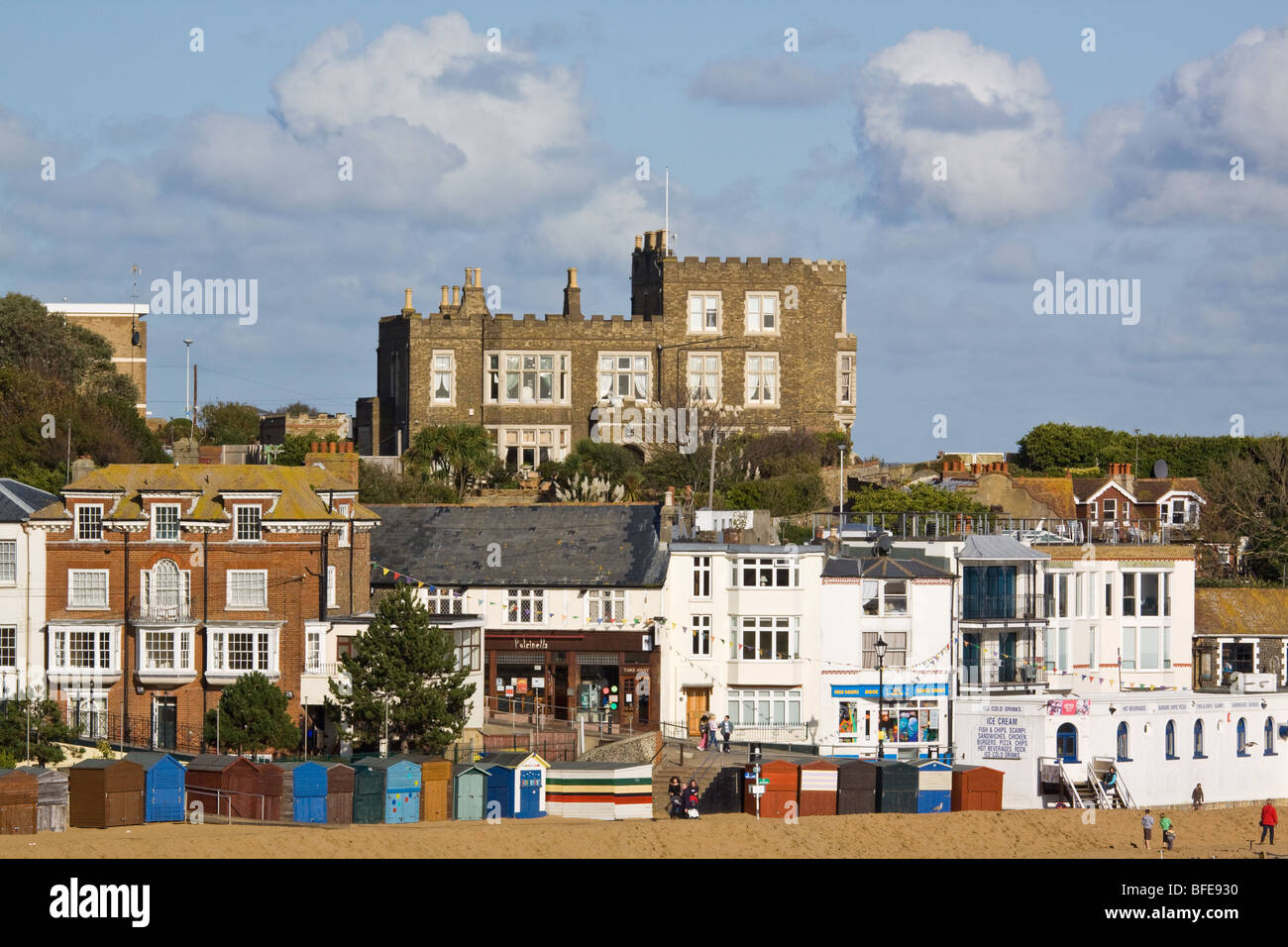 Broadstairs with Bleak House overlooking the town - Stock Image