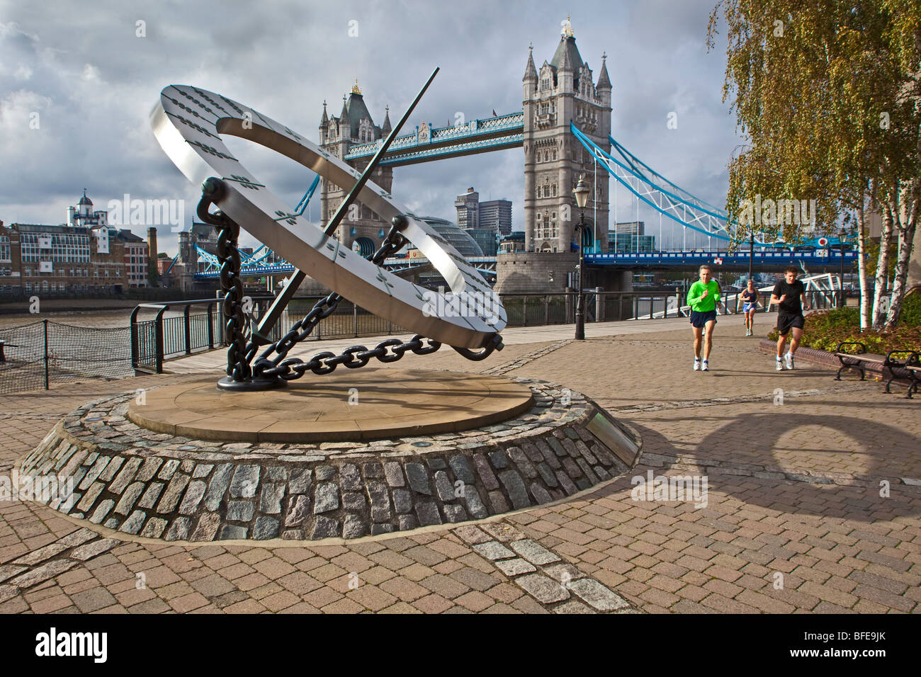 London ; St Katharine's Dock ; Sundial by Wendy Taylor, 1973 ; October 2OO9 - Stock Image