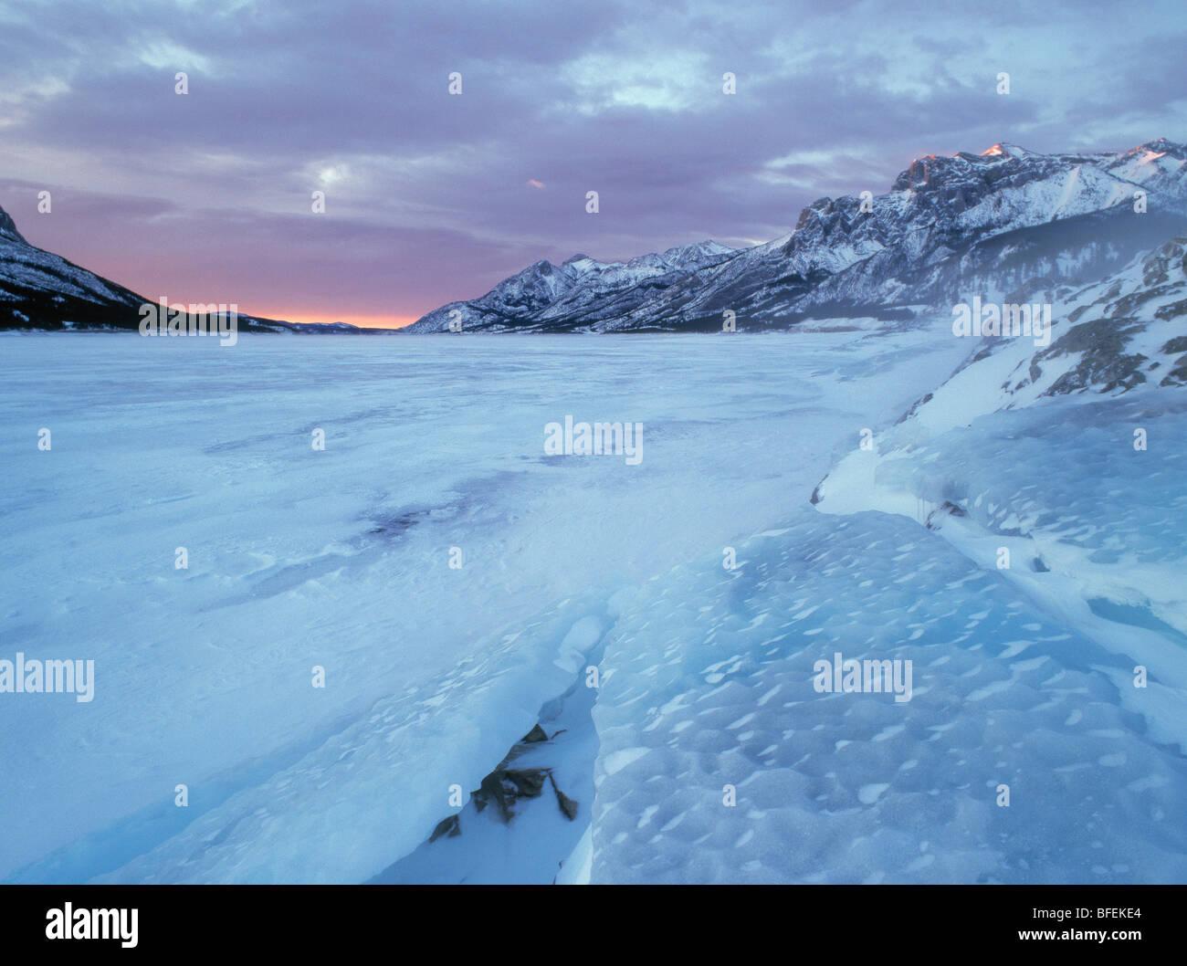 Abraham Lake and Mount Abraham at Windy Point in winter, Kootenay Plains, Alberta, Canada - Stock Image
