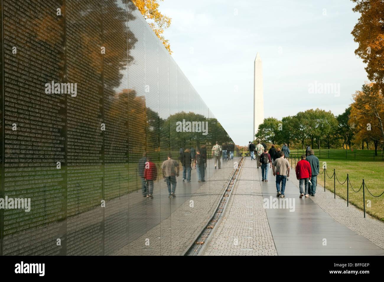Visitors at the Vietnam Veterans War Memorial, Washington DC USA - Stock Image