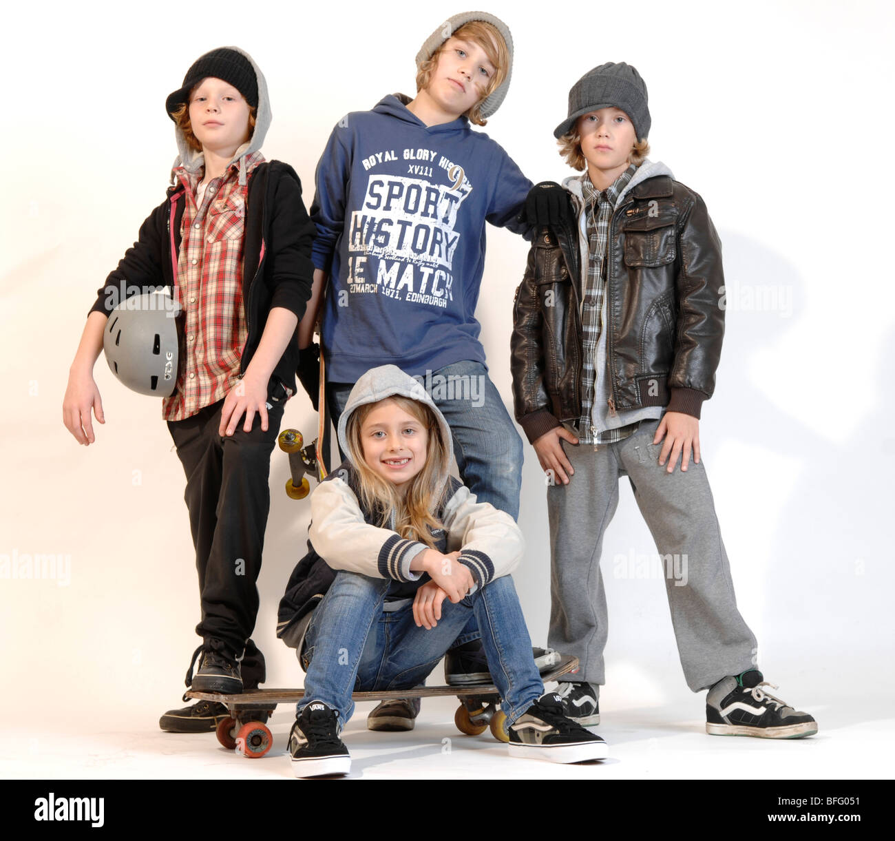 group o four kids one girl and three boys between seven and ten stock photo 26781581 alamy. Black Bedroom Furniture Sets. Home Design Ideas