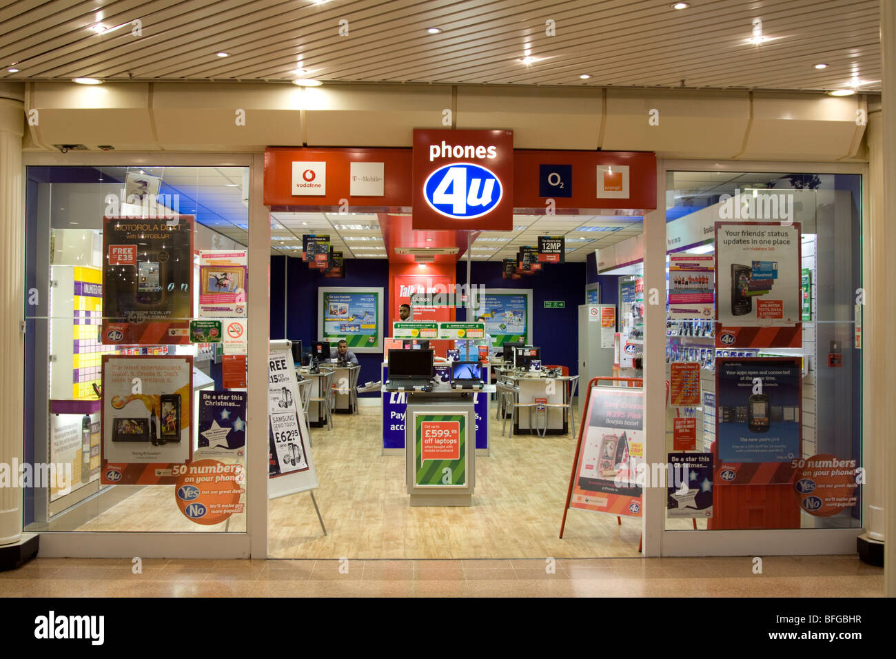 Phones 4u mobile phone store - Aylesbury - Buckinghamshire - Stock Image