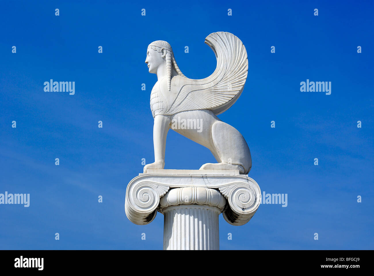 Greek architecture with white marble - Stock Image
