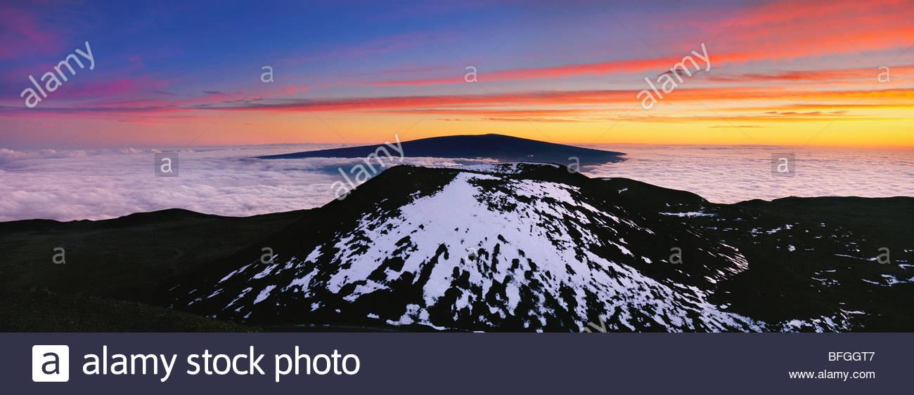 View of Mauna Loa from summit of Mauna Kea Pano, Hawaii - Stock Image