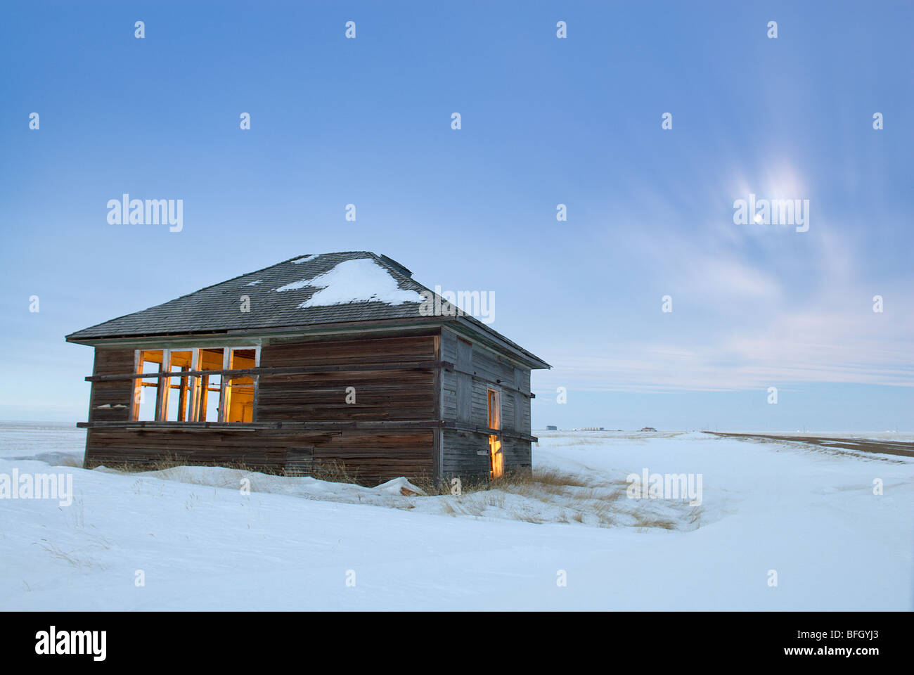 Abandoned house near Foremost, Alberta, Canada - Stock Image