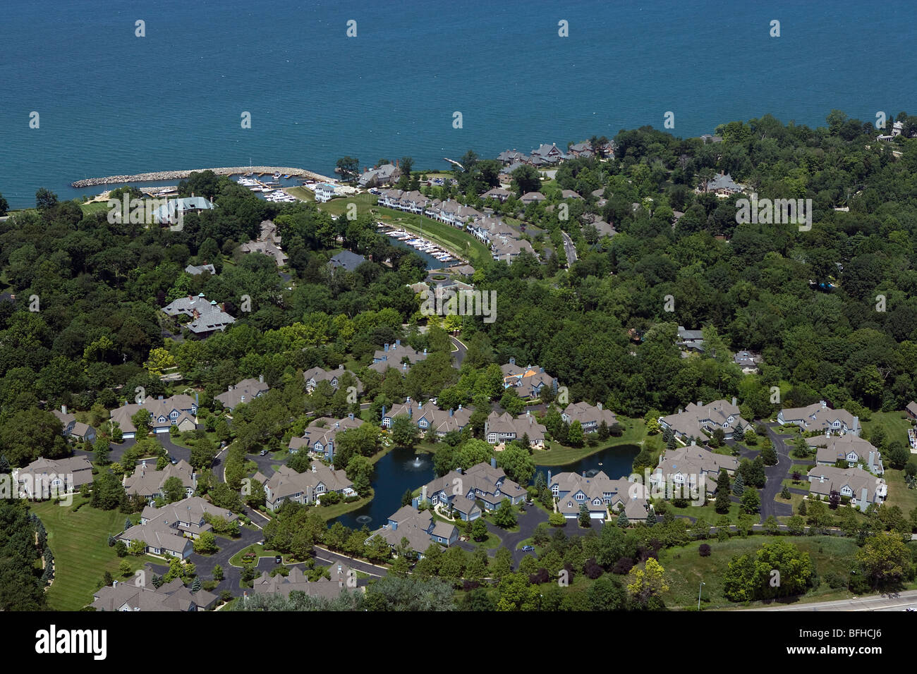 aerial view above Bratenahl wealthy suburb Lake Erie Cleveland Ohio - Stock Image