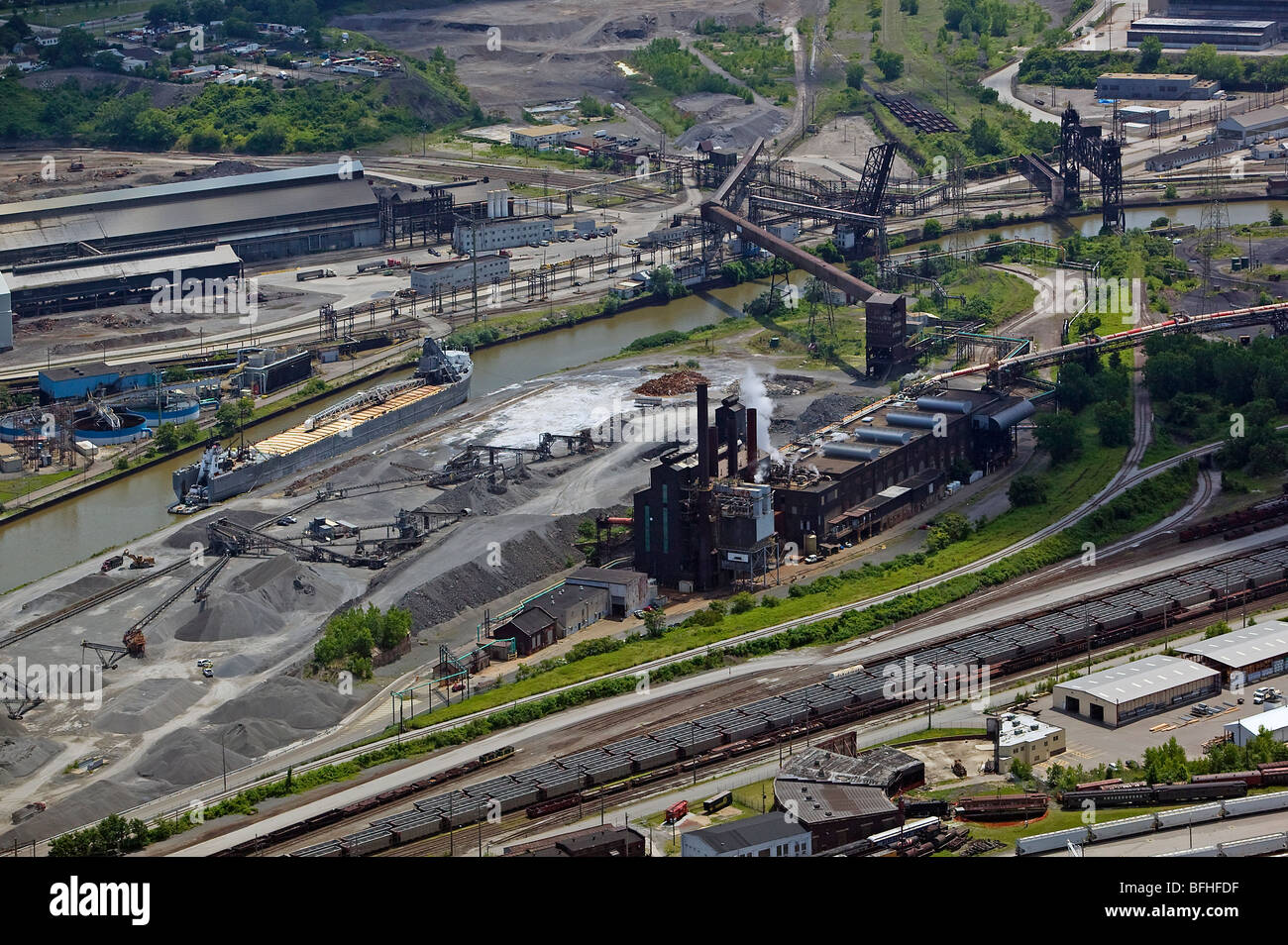 aerial view above Cleveland steel mills at Cuyahoga river - Stock Image