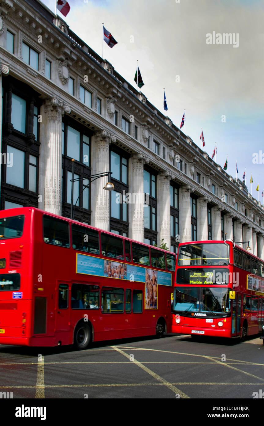 europe, UK, England, London, Oxford Street selfridges bus - Stock Image