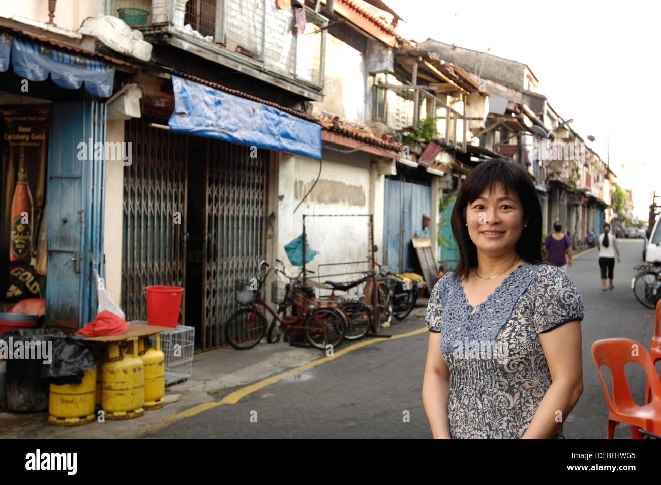 Chinese girl posing in Melaka, streets of Malacca, antique goods, Jonker Street chinese girl, Melaka market, francis - Stock Image