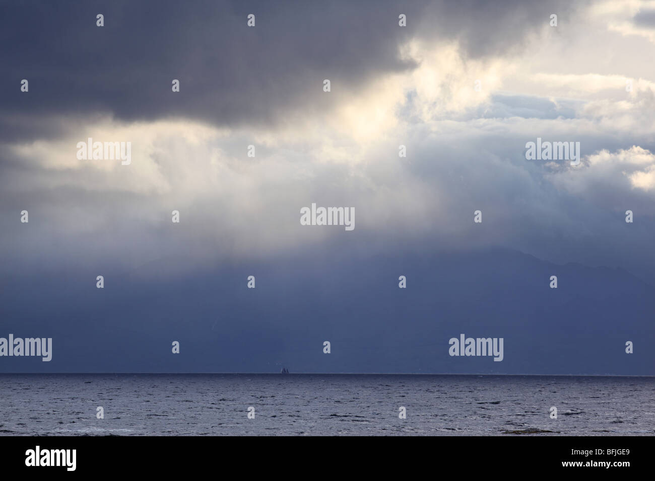 View from Ardrossan South Beach out towards the Firth of Clyde - Stock Image