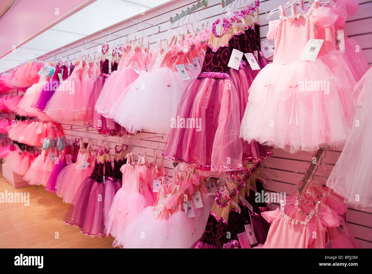 New York City The Big Apple F A O Schwarz toy store or shop princess dresses skirts & shawls in pretty pink - Stock Image