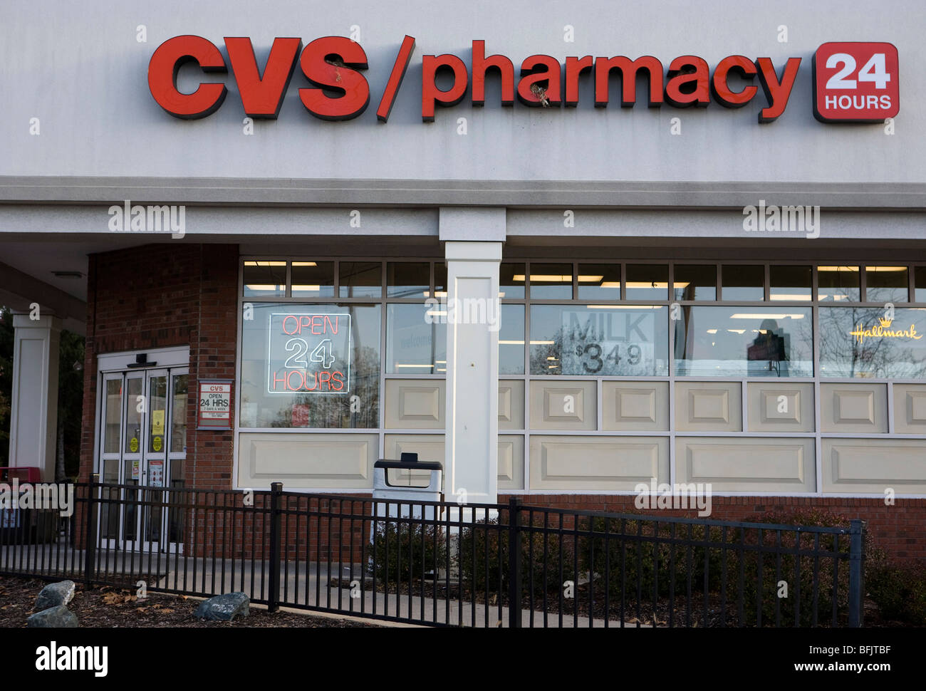 cvs pharmacy storefront sign stock photos  u0026 cvs pharmacy storefront sign stock images