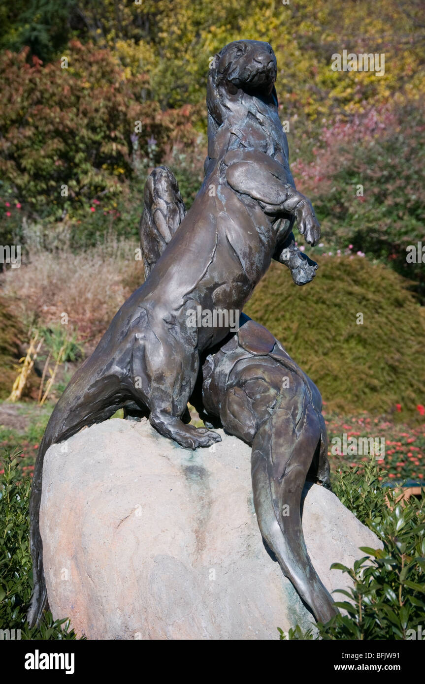 Sculpture in Baltimore Baltimore Zoo Three Otters Fountain by Bart Walter 1993 Baltimore Zoo Entrance - Stock Image