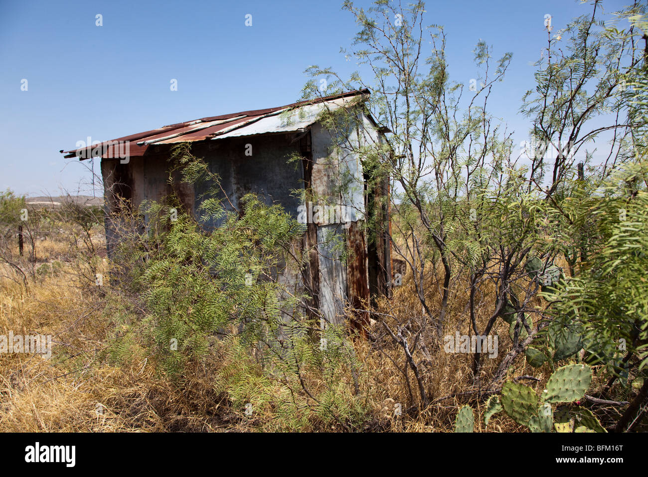 Remains of outhouse in ghost town of Langtry Texas USA - Stock Image