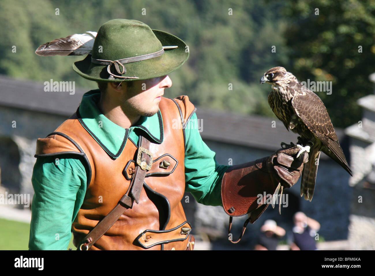 Austria County Of Salzburg Hohenwerfen Castle Birds Of Prey Show Stock Photo Alamy