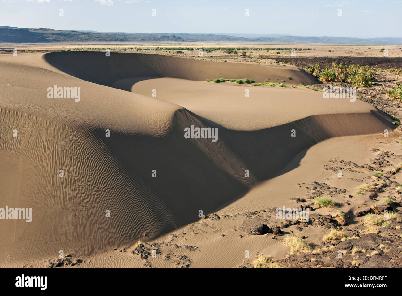 A large barchan dune on the edge of the Suguta Valley. - Stock Image