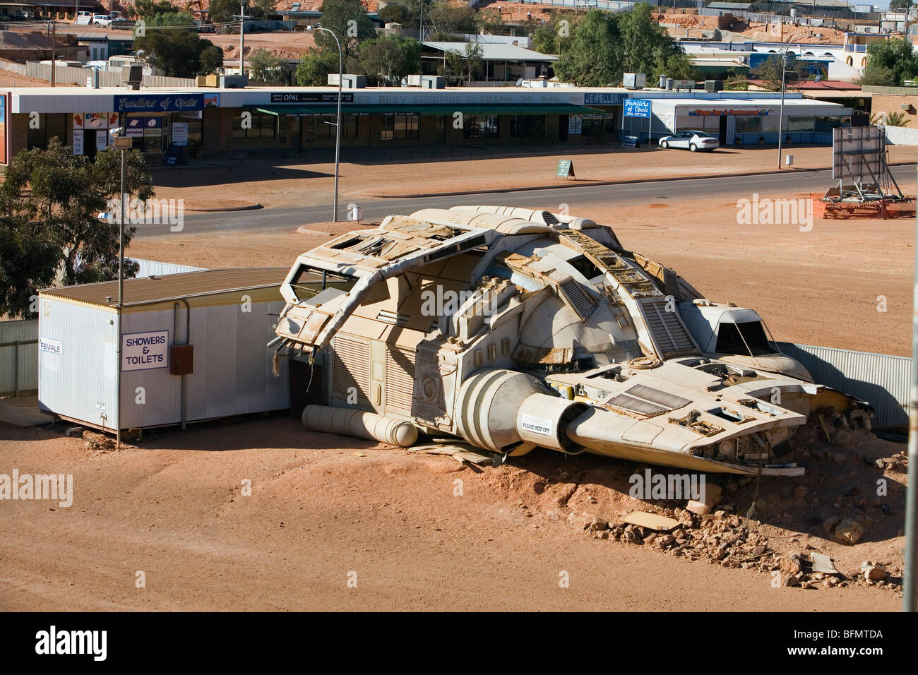 Australia, South Australia, Coober Pedy. A movie prop spaceship from the film Pitch Black left in the township of - Stock Image