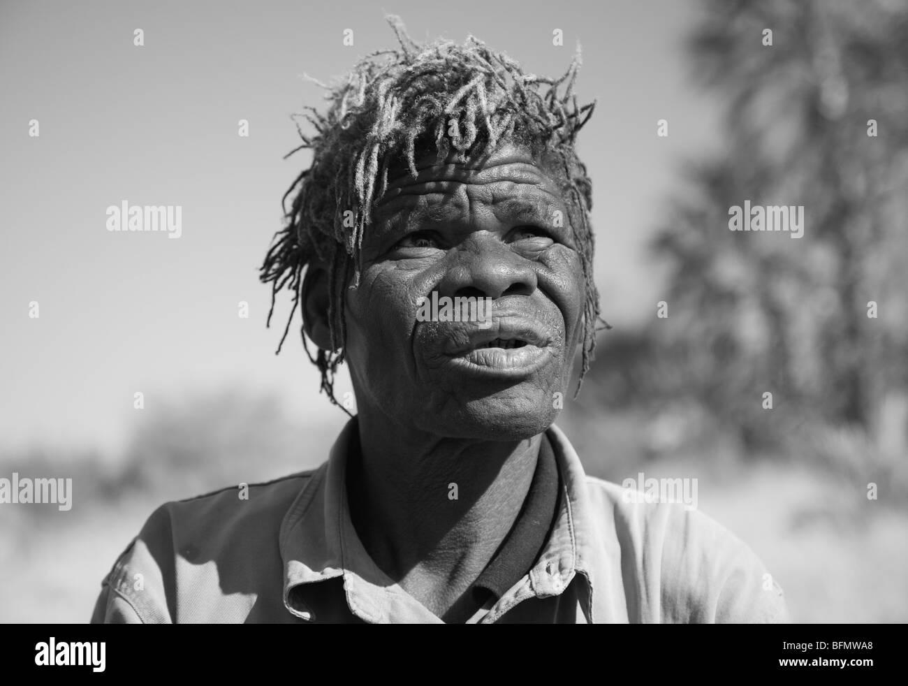 Botswana, Makgadikgadi, Jack's Camp. A portrait of an old Bushman guide. - Stock Image