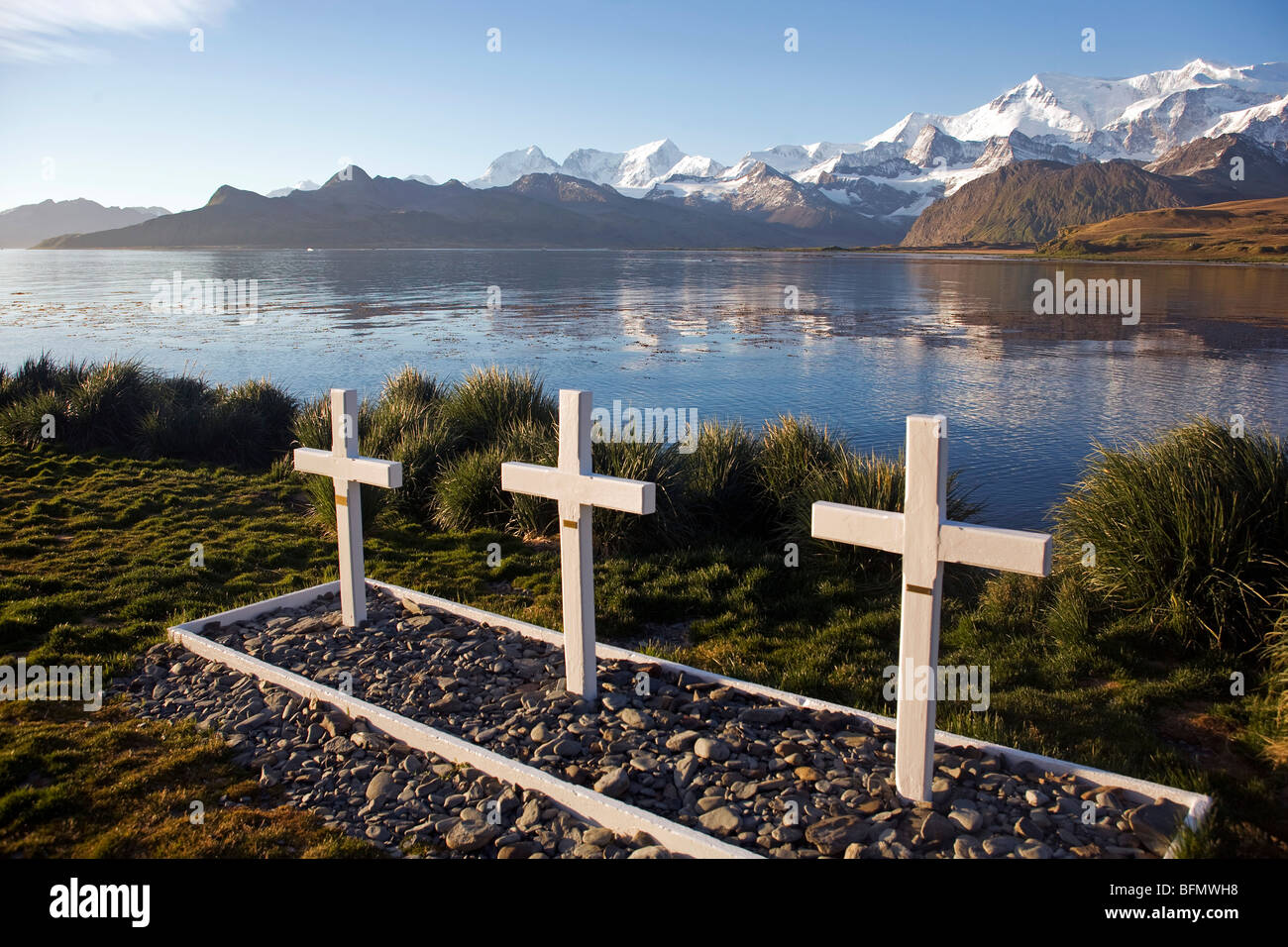 South Georgia and South Sandwich Islands, South Georgia, Cumberland Bay, Grytviken. Three graves from the Falkland - Stock Image
