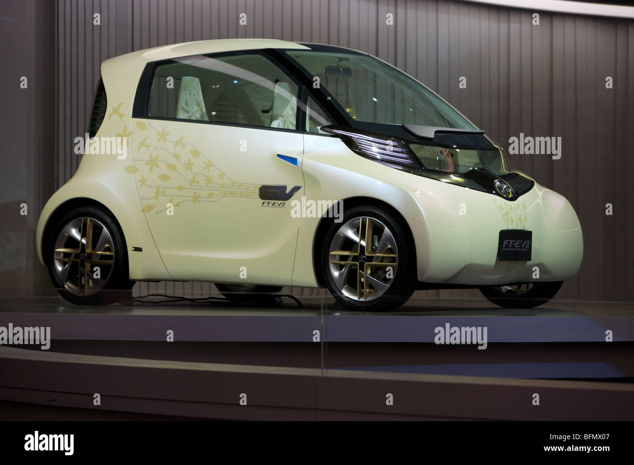 Toyota's FT-EV II concept car displayed at the 2009 Tokyo motorshow. - Stock Image