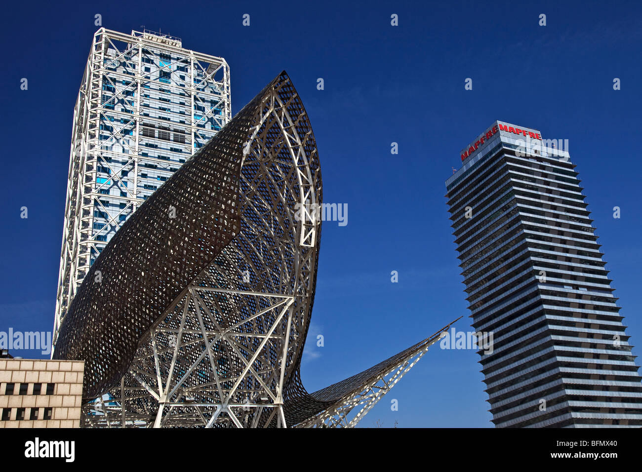 Spain, Cataluna, Barcelona, la Barceloneta, Hotel Arts, Architects-Skidmore Owings and Merril. Golden Fish- Frank - Stock Image