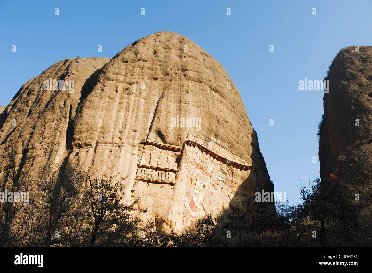 China, Gansu Province, Shuilian Dong Water Curtain Cave, Sakyamuni rock sculptures Lashao temple, Northern Wei dynasty - Stock Image