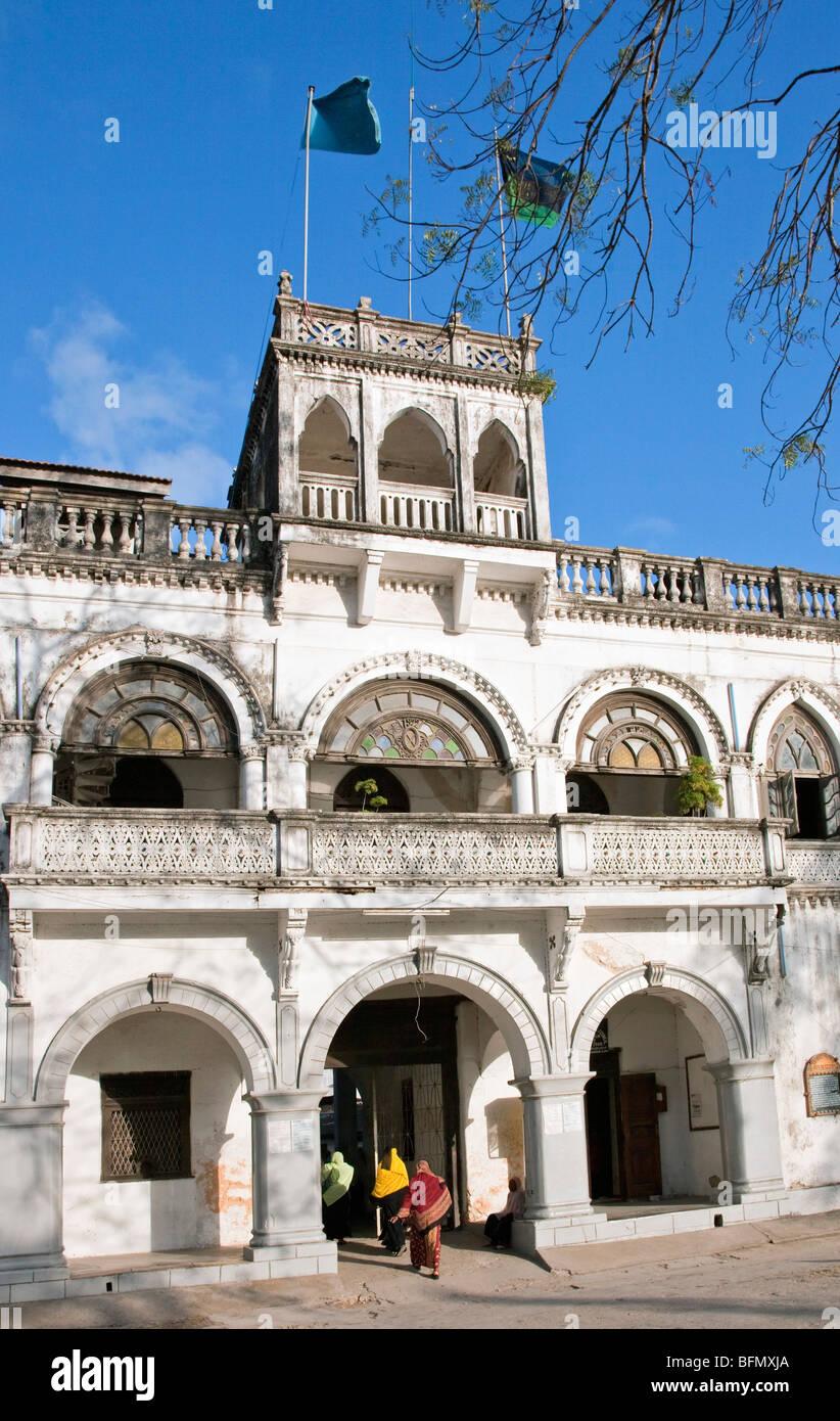 Tanzania, Zanzibar, Stone Town. Built around 1900, the Bharmal Building on Creek Road houses the Zanzibar Municipal - Stock Image