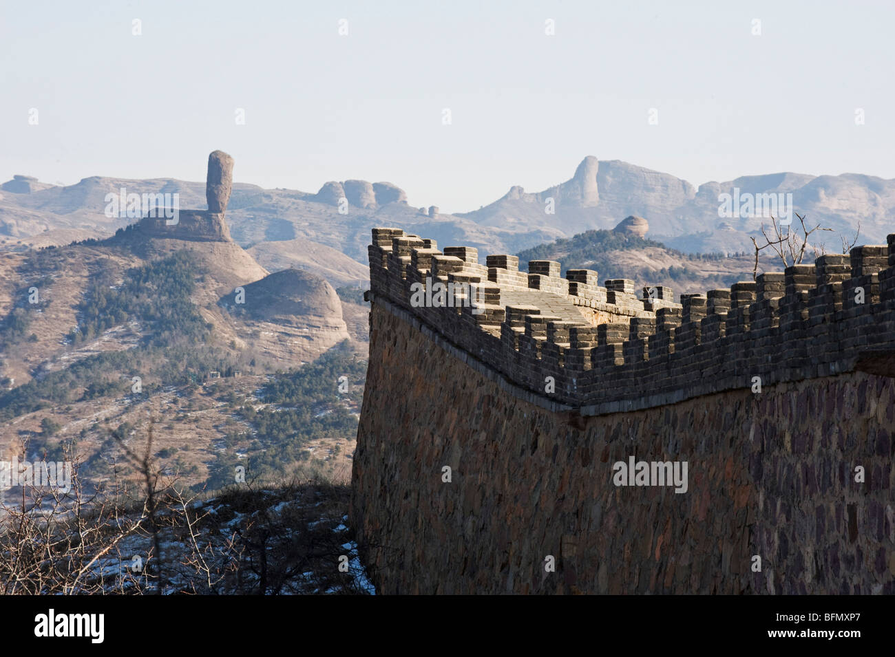 China, Hebei Province, Chengde, city wall and mountain scenery - Stock Image
