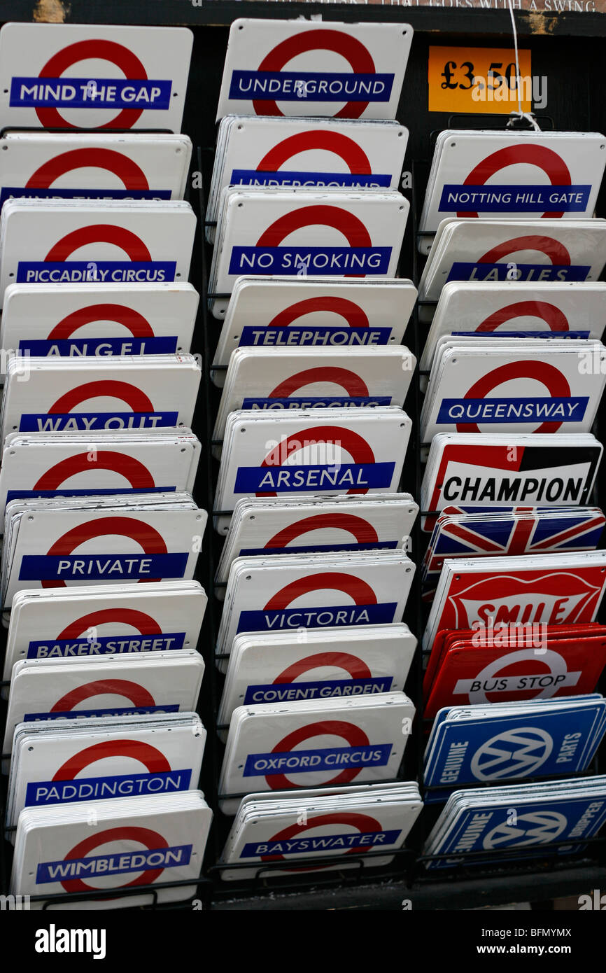 England, London. Tube Signs at Notting Hill Market in London - Stock Image