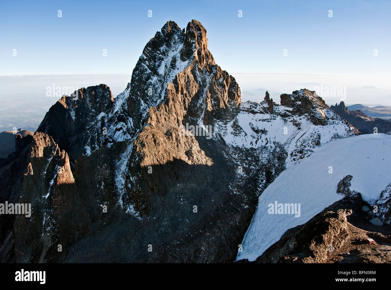 Kenya. The snow-dusted peaks of Mount Kenya, Africa  s second highest mountain, with Lewis glacier in the foreground. - Stock Image