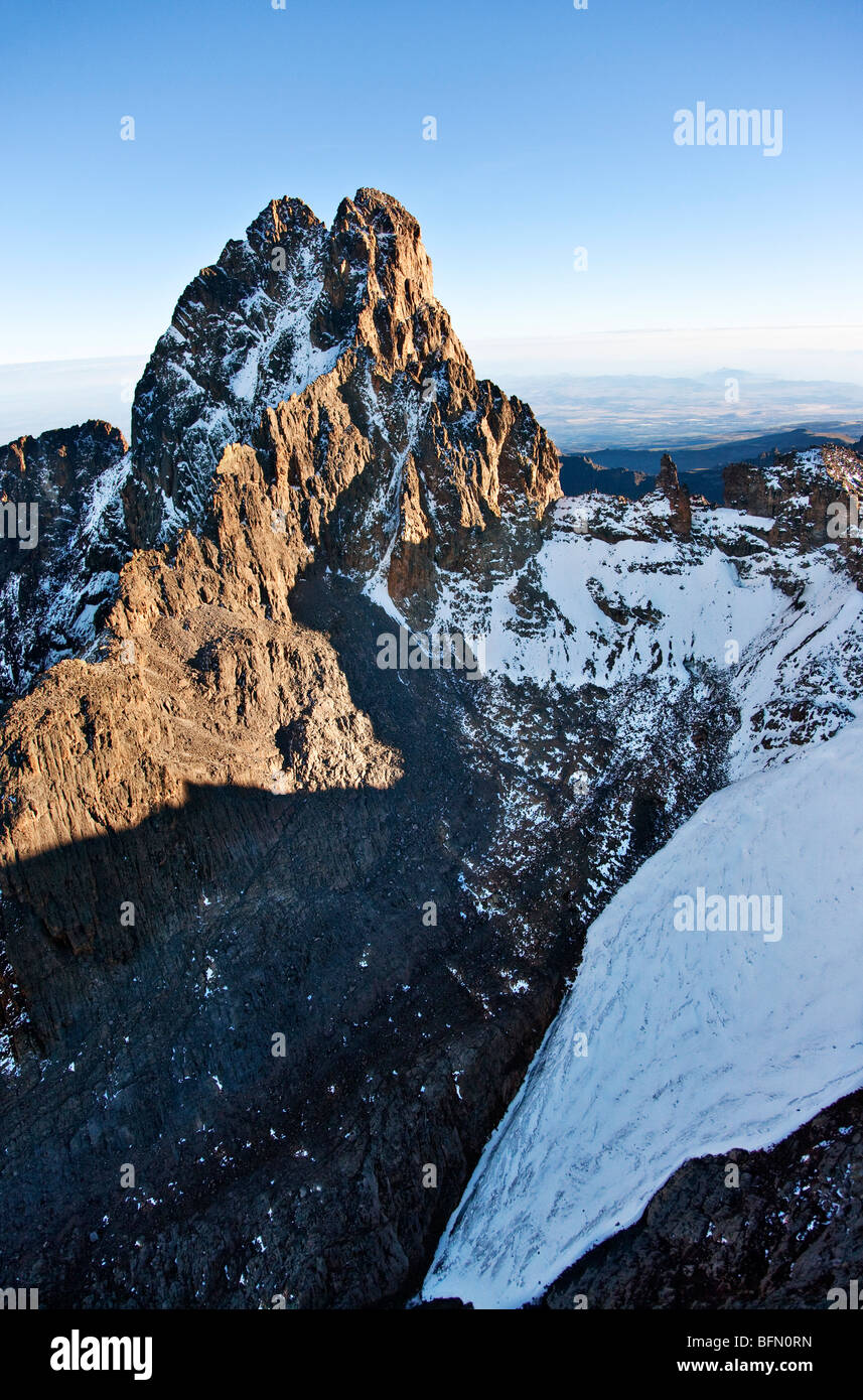 Kenya. The snow-dusted twin peaks of Mount Kenya, Africa  s second highest mountain, with Lewis glacier in the foreground. - Stock Image