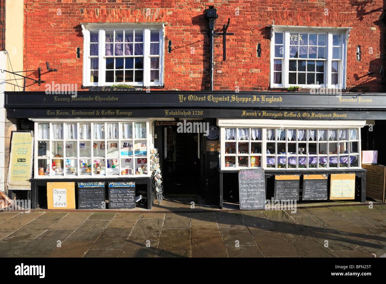 Ye Oldest Chemist Shoppe in England, Market Place, Knaresborough, North Yorkshire, England, UK. - Stock Image