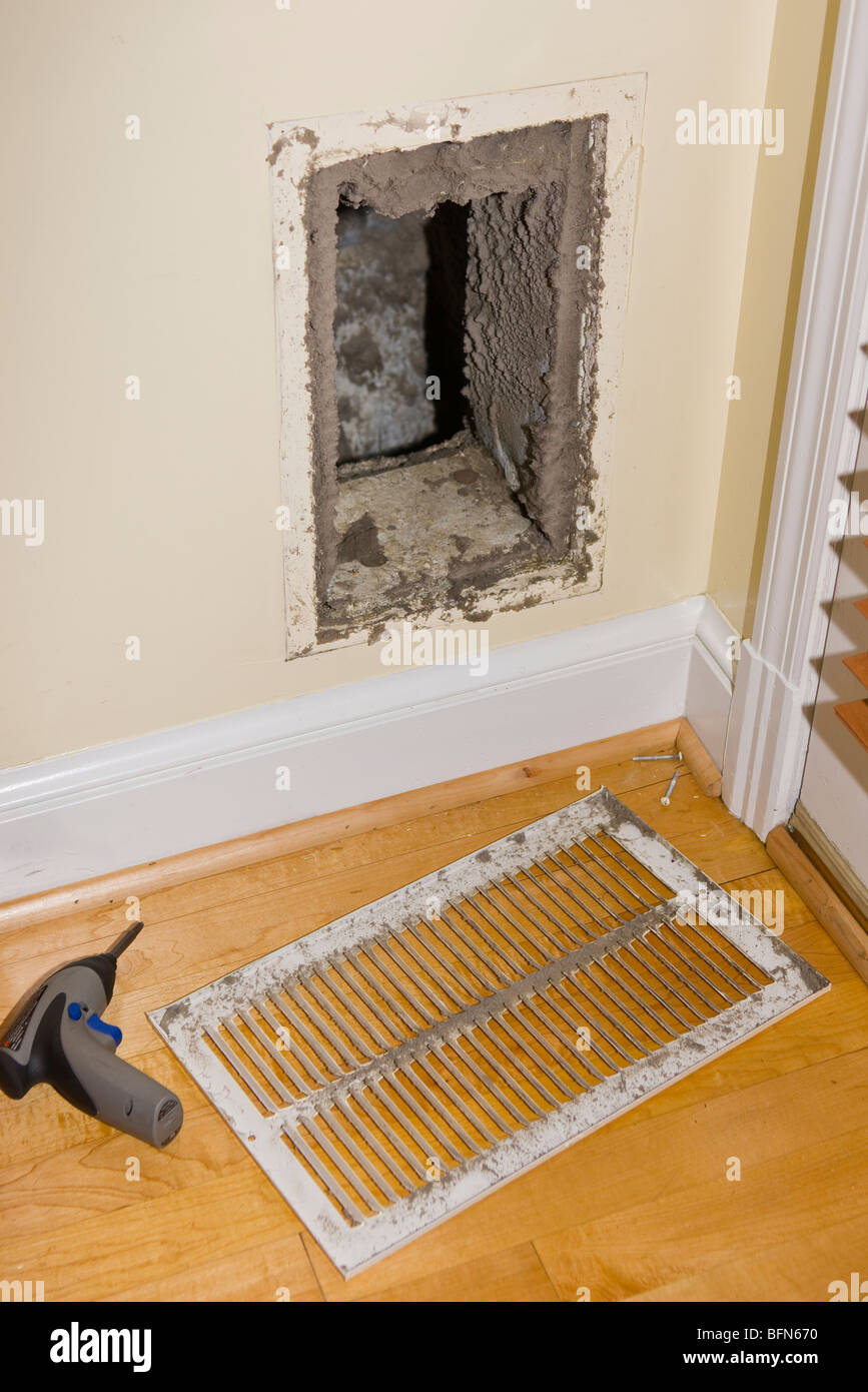 ARLINGTON, VIRGINIA, USA - Dirty return duct, during duct cleaning in home. Stock Photo