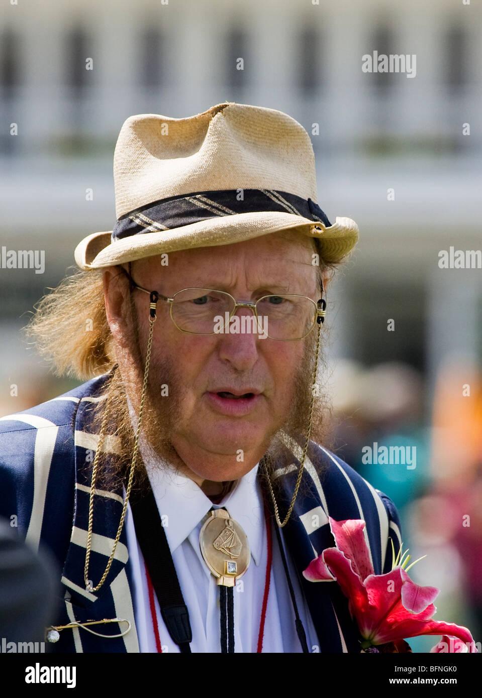 4572a1684 Portrait of John McCririck the betting pundit wearing a Panama hat ...