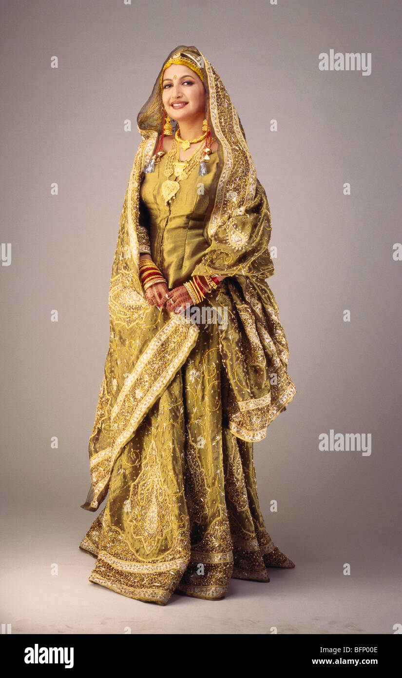 Kashmiri Dress Stock Photos & Kashmiri Dress Stock Images - Alamy