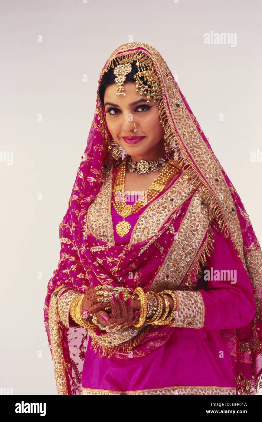 Indian bride Muslim in wedding dress India MR144 Stock