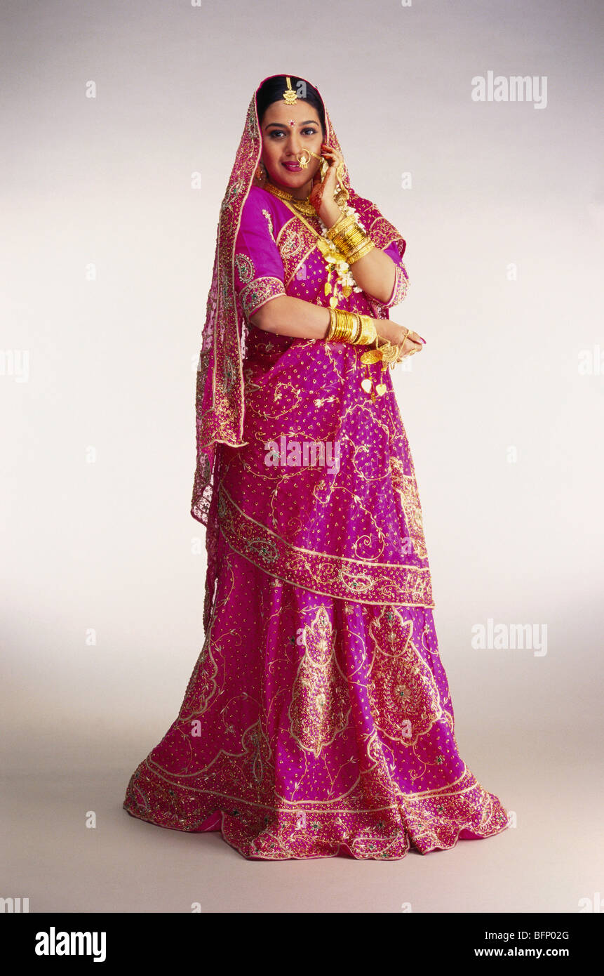 South Asian Indian Punjabi Bride Stock Photos & South Asian Indian ...