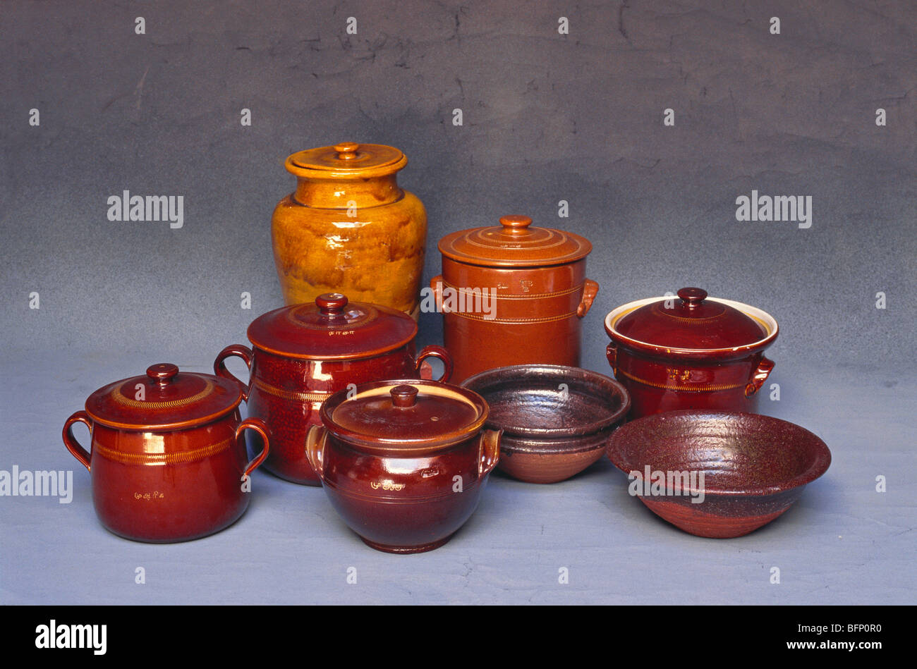 MAA 62249 : Ceramic clay vessels & containers ; Chettinad ; Tamil Nadu ; India - Stock Image